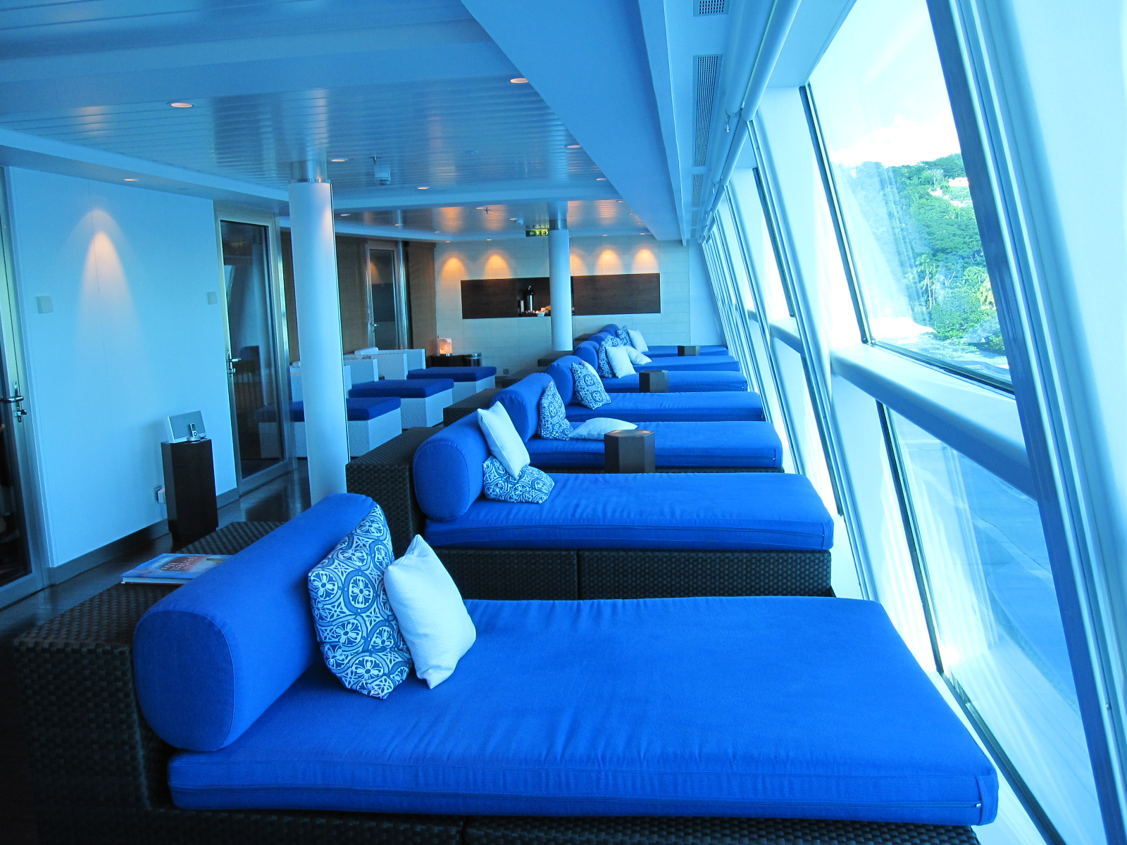 Spa cabins to cruise your cares away cruise maven for Celebrity equinox cabins photos