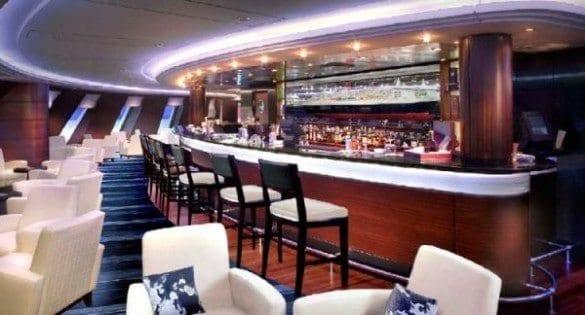 Cunard Queen Mary 2 Commodore Club