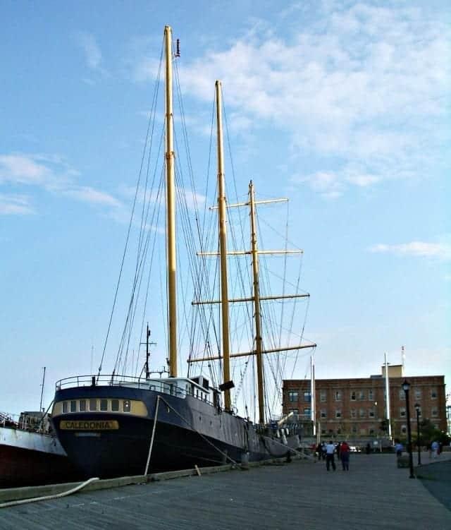 Halifax Harbourwalk tall ship