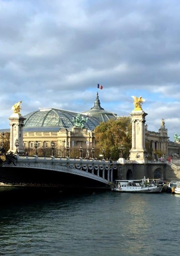 Beautiful autumn weather prevailed, making my walk along the Seine simply superb!