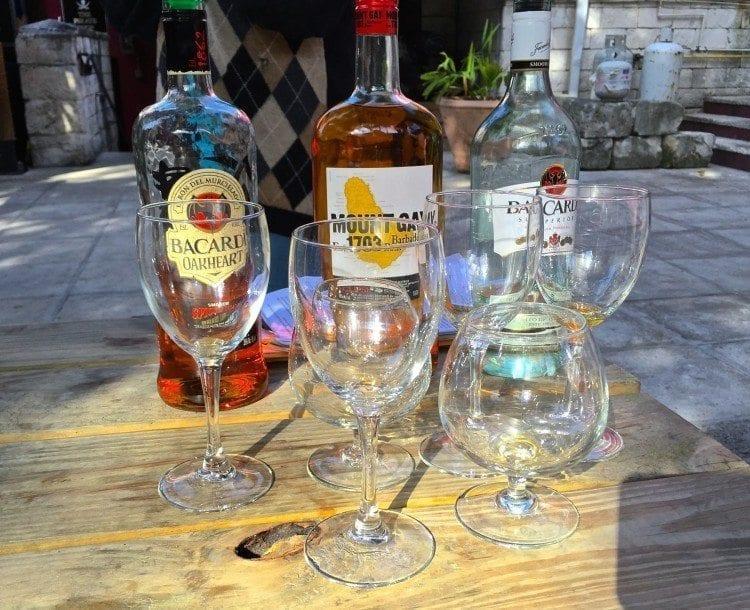 Nassau rum and food walking tour at Pirate's Pub