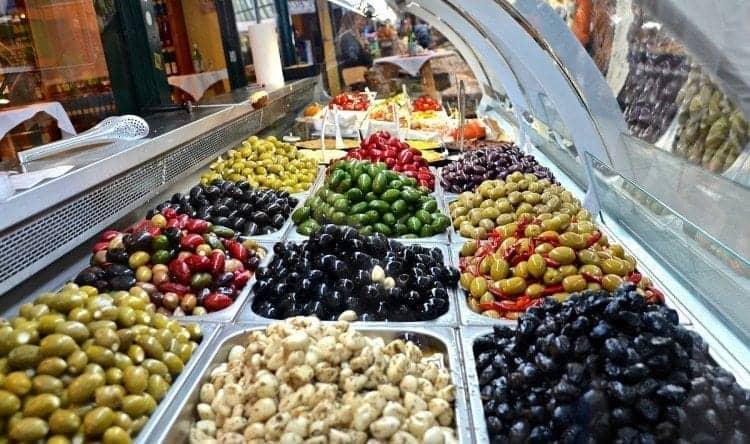 Vienna Naschmarkt olives