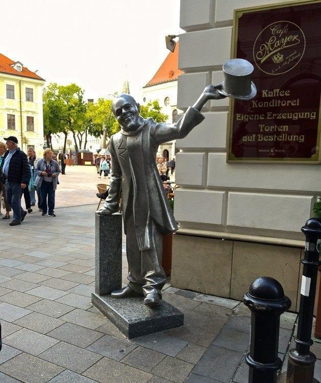 the Schöner Naci brass statue in Bratislava