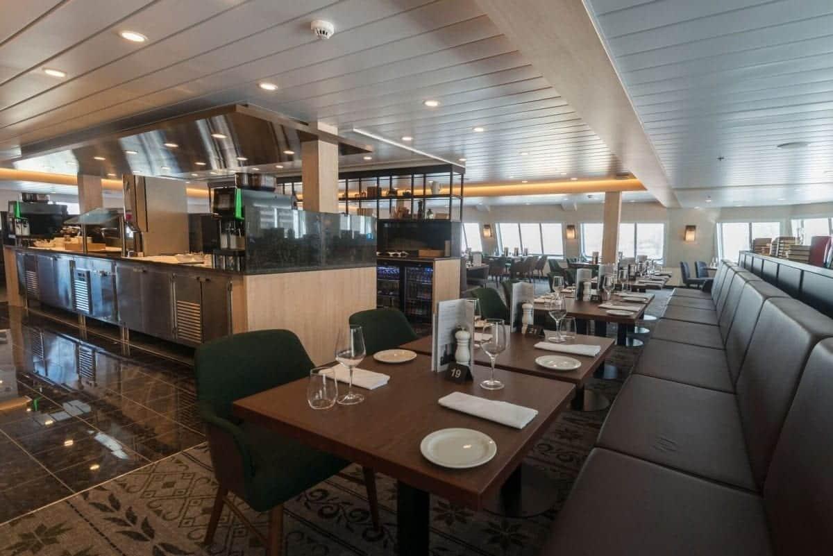 MS Spitsbergen Torget dining room