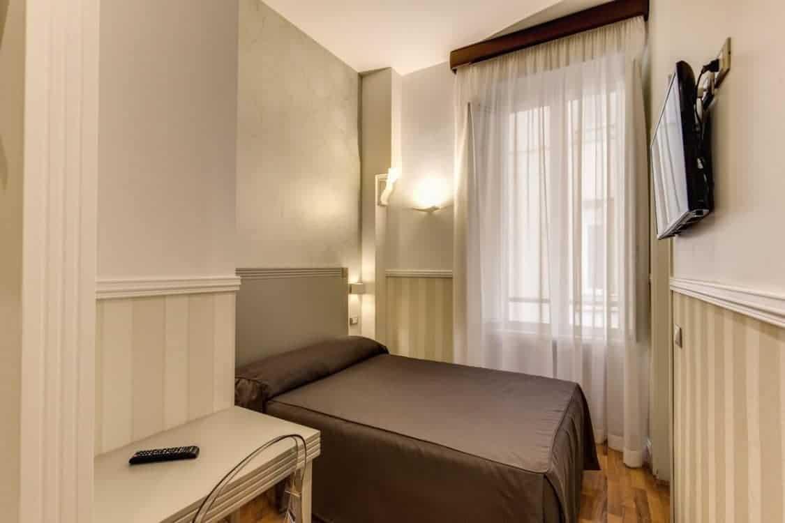 Hotel Porto Pia small room in Piazza Fiume
