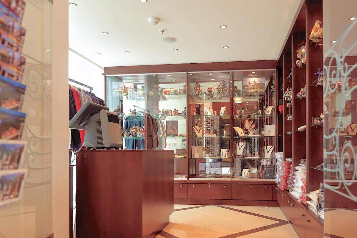 AmaLyra Gift shop
