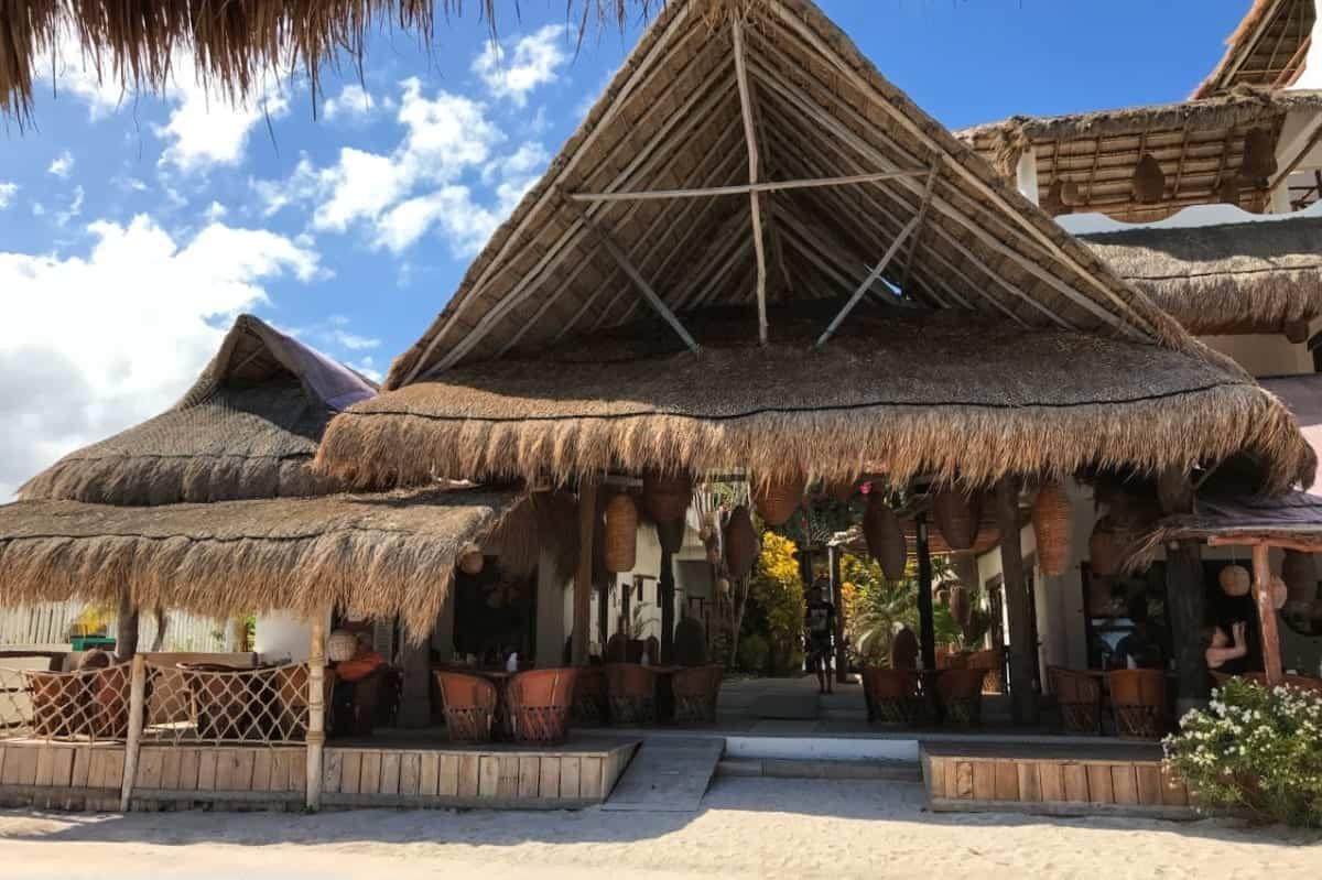 40 canones restaurant costa maya