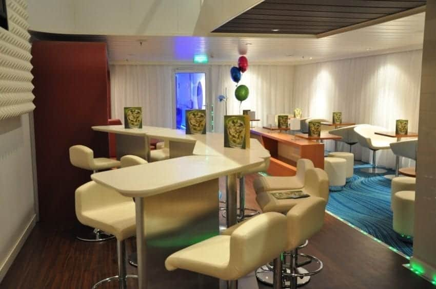 Studio Lounge aboard Norwegian Epic