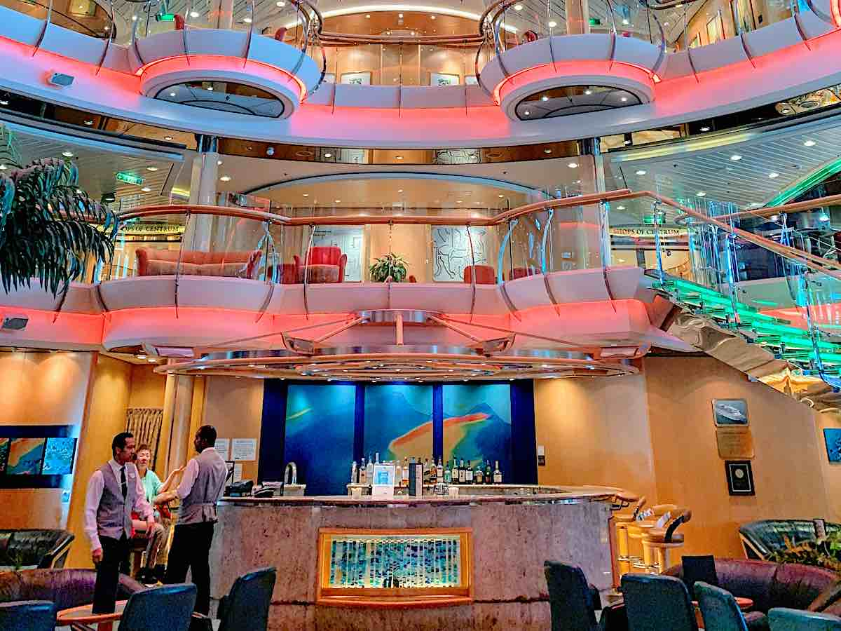 Radiance of the Seas Centrum Lobby