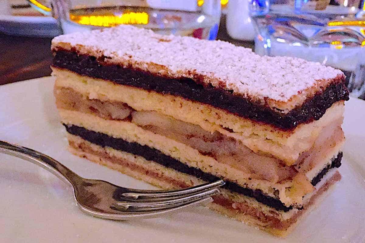Flodni Hungarian Jewish Cake