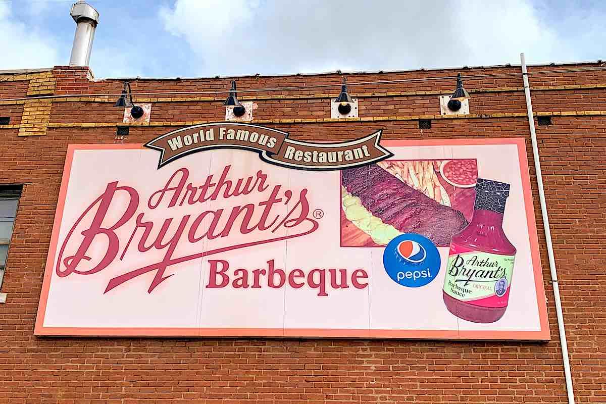 arthur bryant's bbq restaurant sign