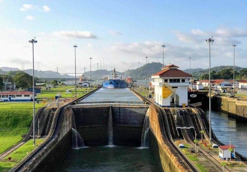 How to Choose a Panama Canal Cruise