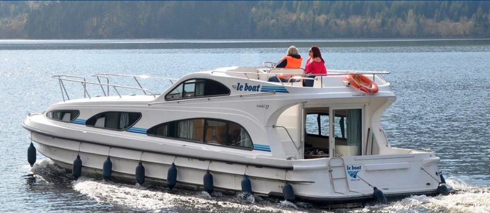 Le Boat boat rental on a lake in Europe