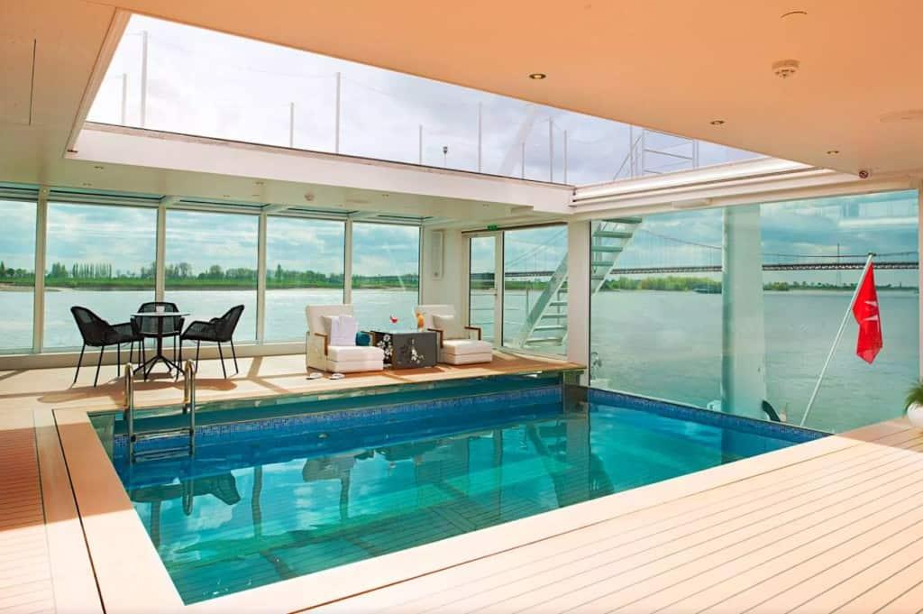 Emerald Cruises heated pool
